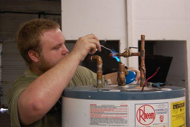 Chauffe Eau – Prix, types, alternatives, installation et entretien de réservoirs à eau chaude