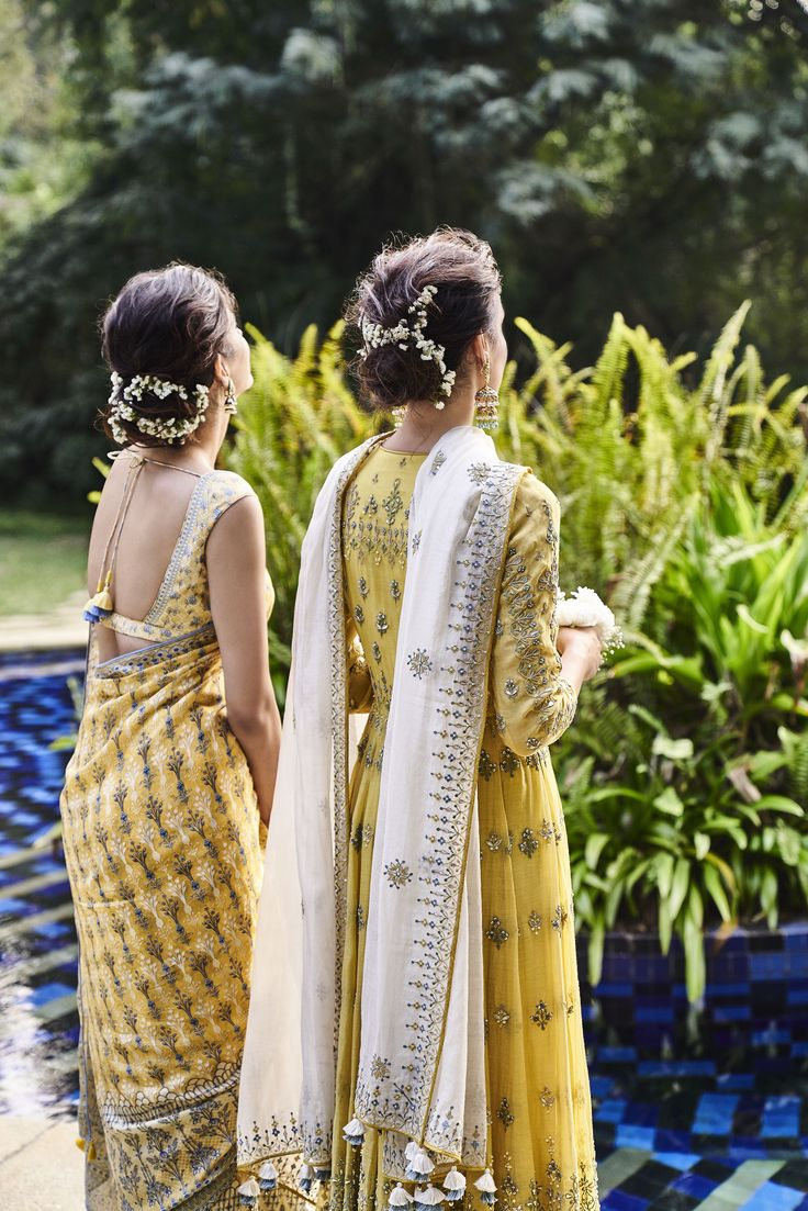 We embrace the season of love and life with hues of marigolds and sunflowers.... Summer is incomplete with a sun-kissed yellow, isn't it? #summer #Indian