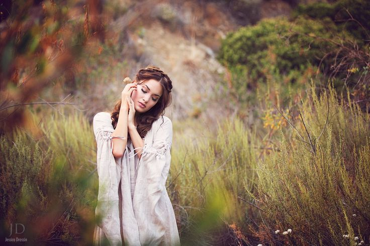 The Secrets To Shooting And Processing Natural Light Portraits  /// How To Shoot, Retouch, and Process Portraits With Natural Light by Jessica Drossin