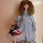 Купить или заказать Интерьерная кукла Милана в интернет-магазине на Ярмарке Мастеров. Девочка с красивым именем - Милана в наряде зеленых и розовых оттенков. Множество рюшей, оборок, кружевная отделка подчеркивают любимый стиль БОХО. На ножках у красавицы ботики из натуральной замши.