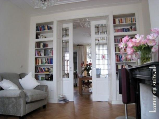 kamer ensuit Belle Epoque; mooi tot aan het plafond. Door Foxy