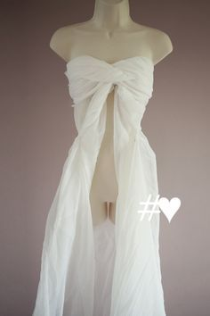 Hashtag Love Props: How to Make A No-Sew Maternity Gown Photography Prop