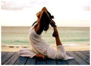 Yoga  A rotina diária de yoga garante-lhe um dia calmo. Trazendo a mente eo corpo em alinhamento através de Yoga