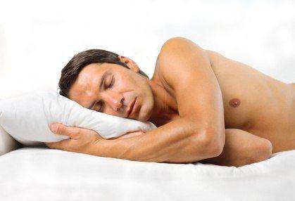 Причины ночной потливости  ●НЕМЕДИЦИНСКИЕ ПРИЧИНЫ НОЧНОЙ ПОТЛИВОСТИ  ○Слишком теплое одеяло. ○Плохо проветриваемое, душное помещение. ○Теплая одежда. ○Питание.  ●МЕДИЦИНСКИЕ ПРИЧИНЫ НОЧНОГО ГИПЕРГИДРОЗА  ●ИНФЕКЦИОННЫЕ ЗАБОЛЕВАНИЯ  ○ОРВИ. ○Инфекционный мононуклеоз. ○Абсцесс легкого. ○Эндокардит. ○Грибковые инфекции. ○Туберкулез. ○ВИЧ-инфекция.  ●ЭНДОКРИННЫЕ НАРУШЕНИЯ  ○Гипертиреоз. ○Недостаточность яичников. ○Сахарный диабет.  ●РЕВМАТОЛОГИЧЕСКИЕ ЗАБОЛЕВАНИЯ  ○Височный артериит. ○Артериит…