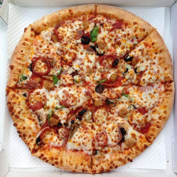 야외에서 먹는 피자