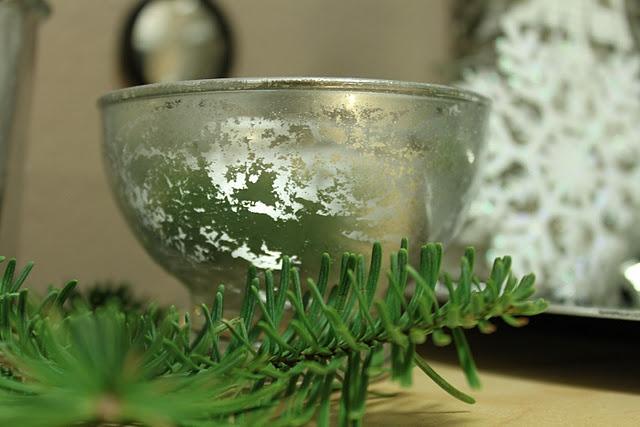 H2O+vinegar+silver spray paint=DIY Mercury Glass