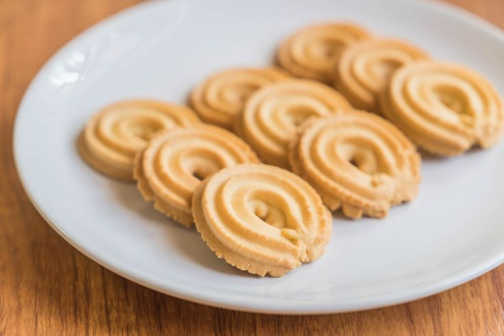 Pofta de dulce in post? Nu e neaparat sa fie de dulce ca sa fie un desert delicios! Iata cea mai simpla reteta de fursecuri de post, bogat aromate cu vanilie!