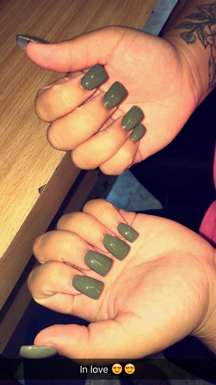 Olive flare  #nails #colors #olive