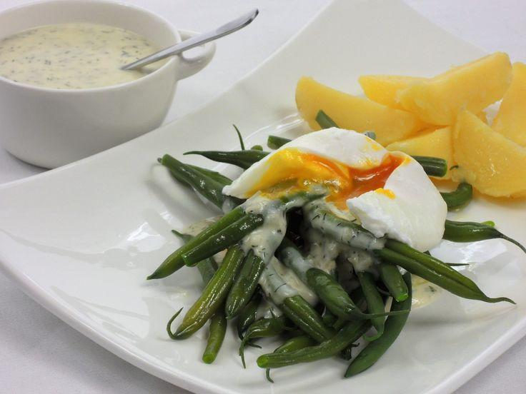 Fazolky nakyselo s bramborem a ztraceným vejcem | Snědeno.cz - Snadné a rychlé recepty od rodinného stolu