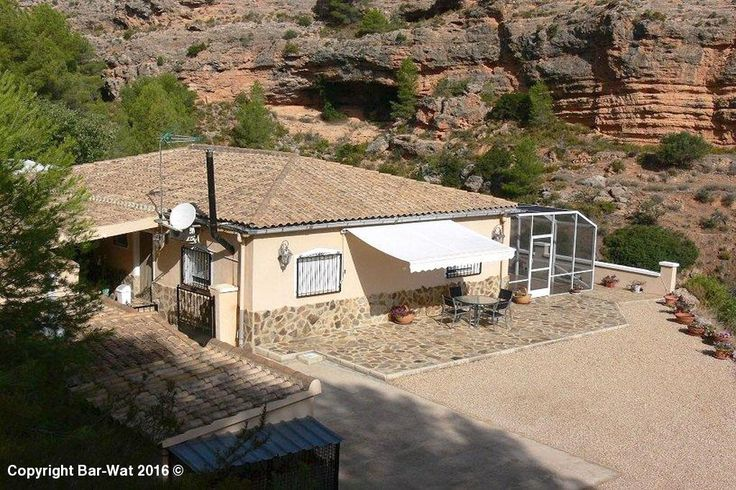 Property Ref: 3961 Price 189.950€ Country house set in the  lovely secluded position with a very large plot & pool for sale in the Ayora valley. This property offers porch, sun terrace, 3 bedrooms, 2 bathrooms (1 en-suite), entrance hall, living / dining room, separate kitchen, laundry room, wood burner & log store, gas central heating & solar panels, fitted wardrobes, air conditioning, ceiling fans, exterior seating area, built BBQ, store & generator room.