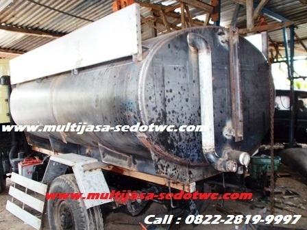 Kapasitas tangki mobil sedot wc 4000 liter , dengan sistem drinese yang tepat