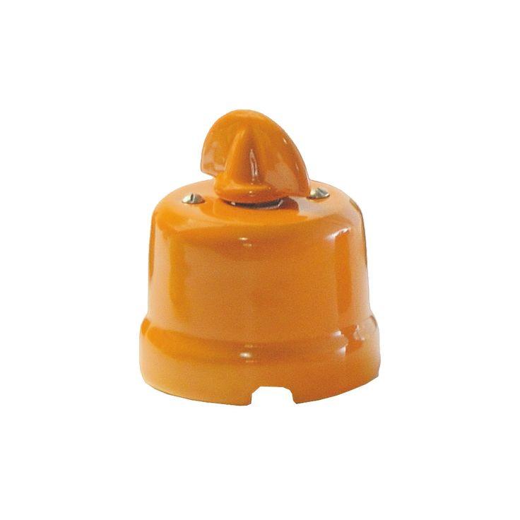 Comprar | Conmutador de porcelana con lazo color naranja | Serie porcelana de colores #lamparas #accesorioslamparas #iluminacion #decoracion #interiorismo #porcelana #handmade