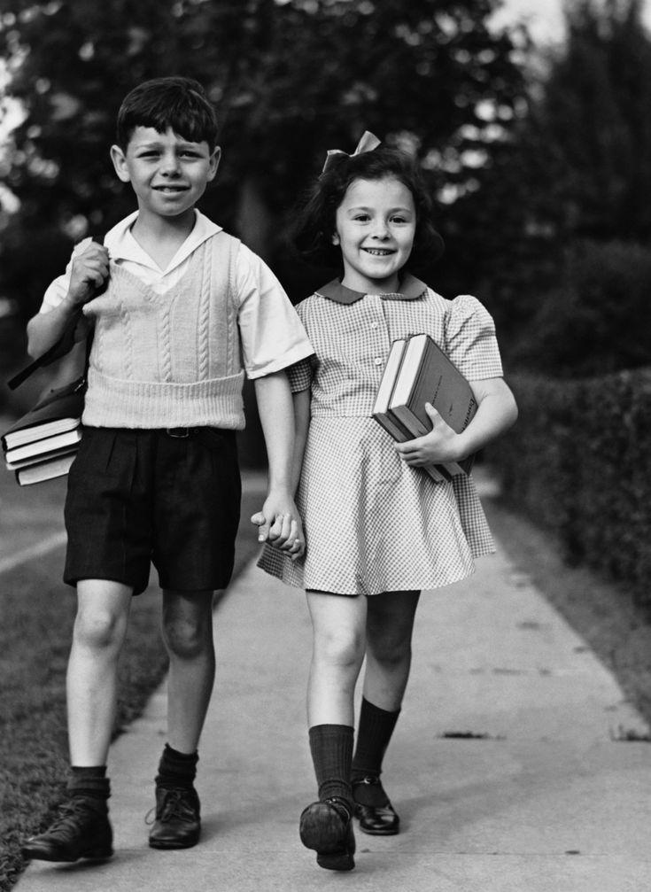 Tots walking home from school 1940s