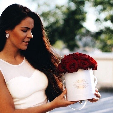 Kvatiny jsou vzdy dobry napad.  Flowers are always a good idea. 💐👌💋💘 #cz #instaflower #rosebox  #kvetinyvpraze #czechgentleman #instaprague #Madeinczech #prague #Kytice #giftforher #FlowerBoxprague #czechfashion  #glamourflowers  #redroses #czechstyle #red  #růževkrabici #pragueflowers #pragueflowers #czech #kvetiny #czechshop #luxuryflowers #glamourflowers #whitecombination #instaflower #rosebox #kvetinyvpraze #czechgentleman #instaprague #Madeinczech #pragueflowers #FlowersOfTheDay…