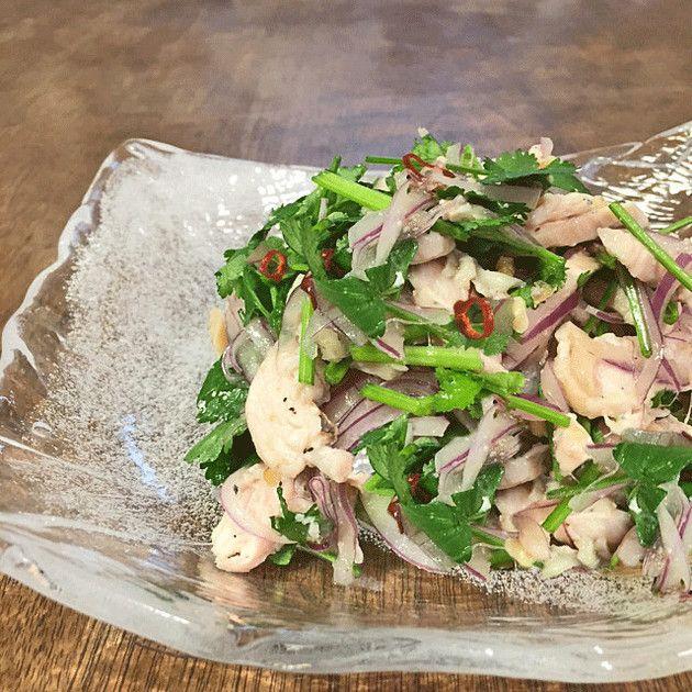 鶏胸肉とパクチーのサラダ by ハイファ [クックパッド] 簡単おいしいみんなのレシピが212万品