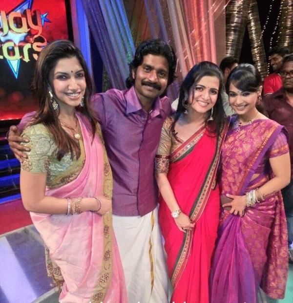 Divyadarshini with Vijay tv stars