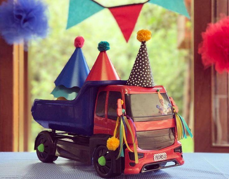 Carregamento pronto!!!  Tudo conferido para os Festejos do final de semana!!!    Festinhas lindas à caminho!!!!      O melhor da Festa é esperar por ela!!!     Salve salve os aniversariantes e todos os finais de semana que estão por vir!     #NaFestejoCadaFestaÉÚnica!  Saiba mais em nosso site! . . #CarrosParty #PedroFaz2 #SpecialBox #FestejoInBox #ComemoreComAFestejo #FestejeComAFestejo #FestaDeCrianca #FestaDeCriança #FestaInfantil #FestaPersonalizada #FestaEmCasa #PartyDecor #KidsParty…