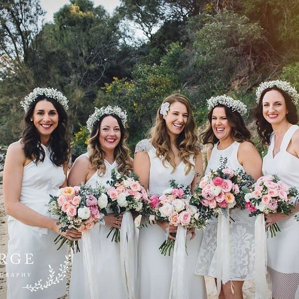 {Wedding Blooms} Image:@mergephotography #bride #bouquet #boutique #perthflorist #perth #perthwa #perthbride #perthweddingflowers #perthweddingstylist #mosmans #events #flowers #flowercrown #bridesmaids #poppyandwillow #poppyandwillowblooms #poppyandwillowbloomstylist #theperthcollective #everthine