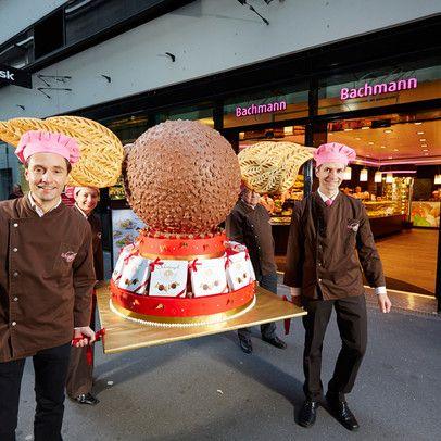 Confiserie Bäckerei Konditorei Bachmann im Sihlcity Zürich Matthias und Raphael mit Schutzengeli