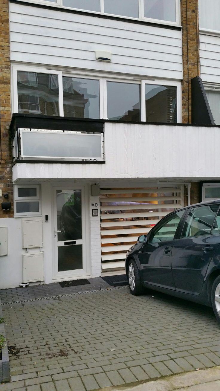 Motorised fixed panel door from Louvretec?