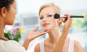 Groupon - 1 cours de maquillage aux choix d'1h pour 1 ou 2 personnes dès 25 € chez Esthéticienne en Scène à Paris. Prix Groupon : 25€
