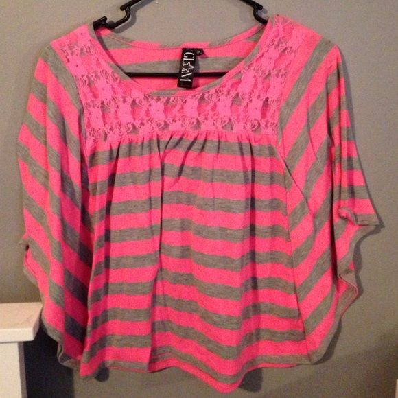 Like NEW W/out tags butterfly style neon top Super cut and Bright neon pink butterfly style top from jcpenny  kids size XL but women's/juniors is MEDUIM ... No flaws jcpenney Tops