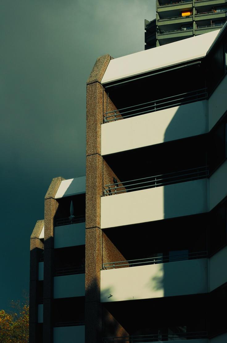 Wonderful autumn meets ugly architecture [ Mannheim ]