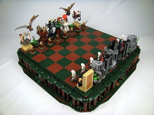 Artist Creates 'LEGO Star Wars' Chess Set - DesignTAXI.com