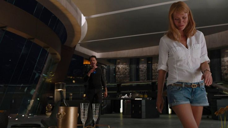 Gwyneth Paltrow Wears Short Shorts In Quot The Avengers