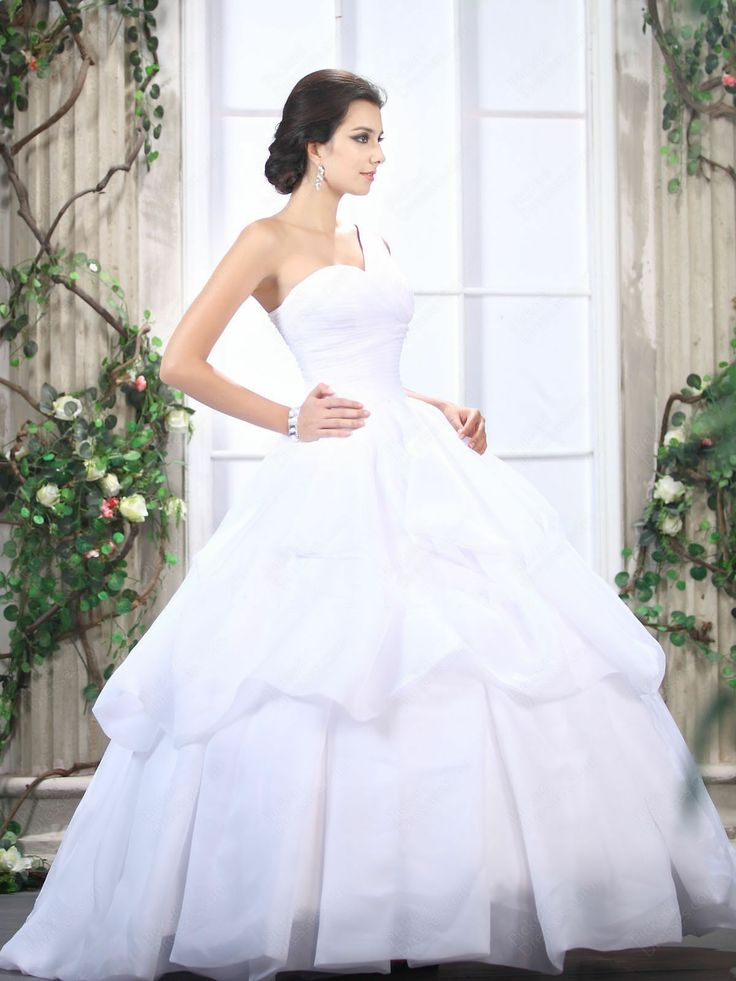 Fabulous  best Ballgown Wedding Dresses images on Pinterest Wedding dressses Marriage and Wedding gowns