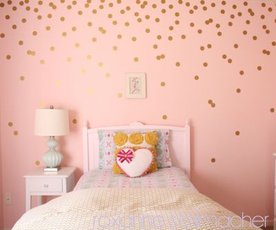 Step-by-step DIY gold polka dot walls!
