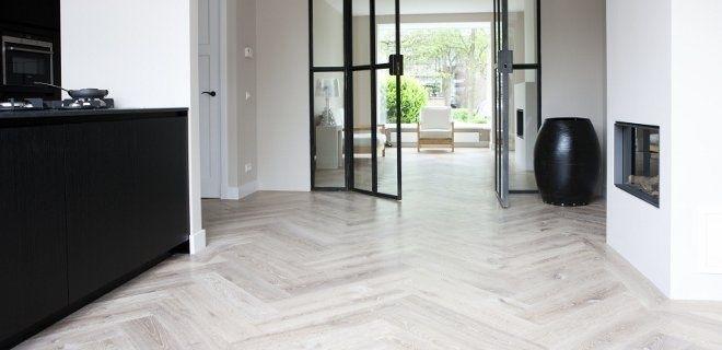 Uipkes visgraat vloer lamelparket Vincent - Product in beeld - - Startpagina voor vloerbedekking ideeën | UW-vloer.nl