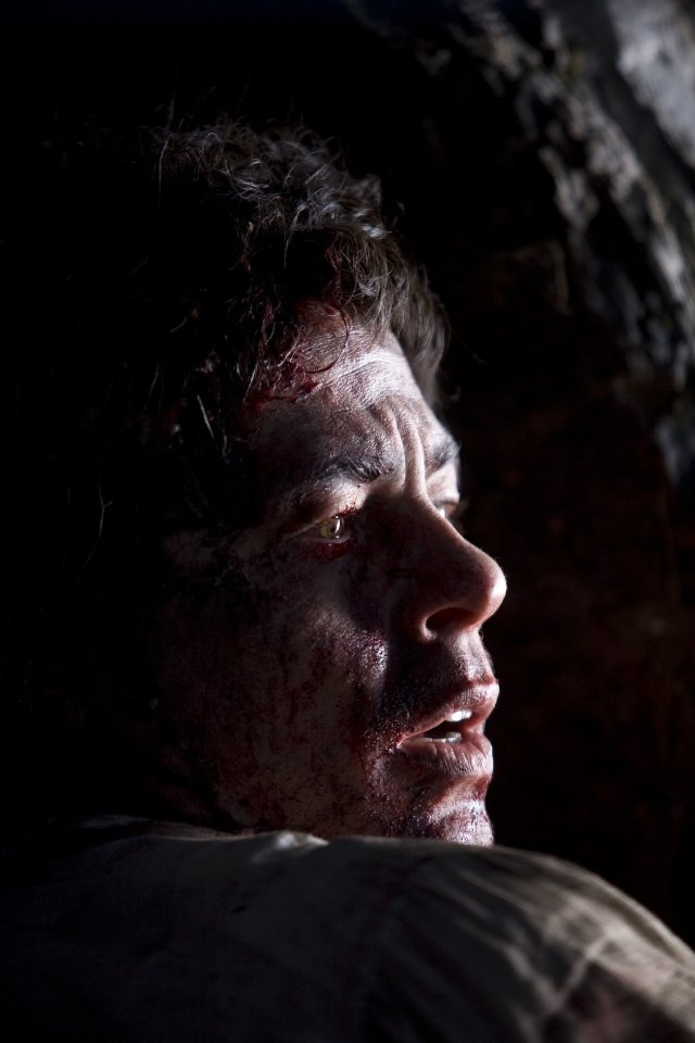 Benicio Del Toro as Lawrence Talbot in The Wolfman.