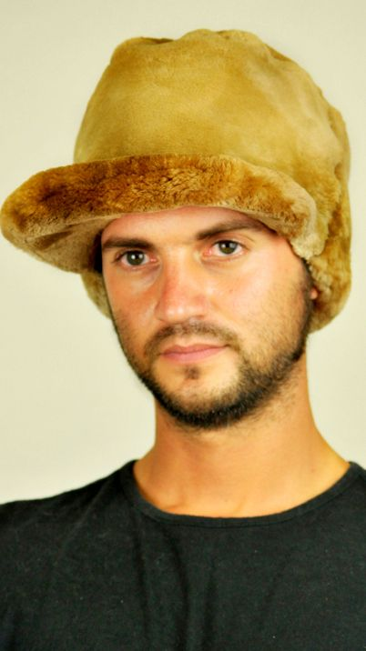 Authentic Canadian beaver fur hat - with visor. This men's fur hat fits men wishing to be trendy even in cold winter.   www.amifur.co.uk
