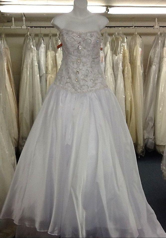maggie sottero wedding dress pre owned white ball gown duchess designer wedding gown