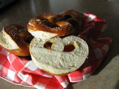 Follow these steps to create authentic-tasting German pretzels. This recipe plus step by step, illustrated instructions will make you a pretzel maker pro. Learn about the history and significance of pretzels in Germany.: Pretzel Crumb
