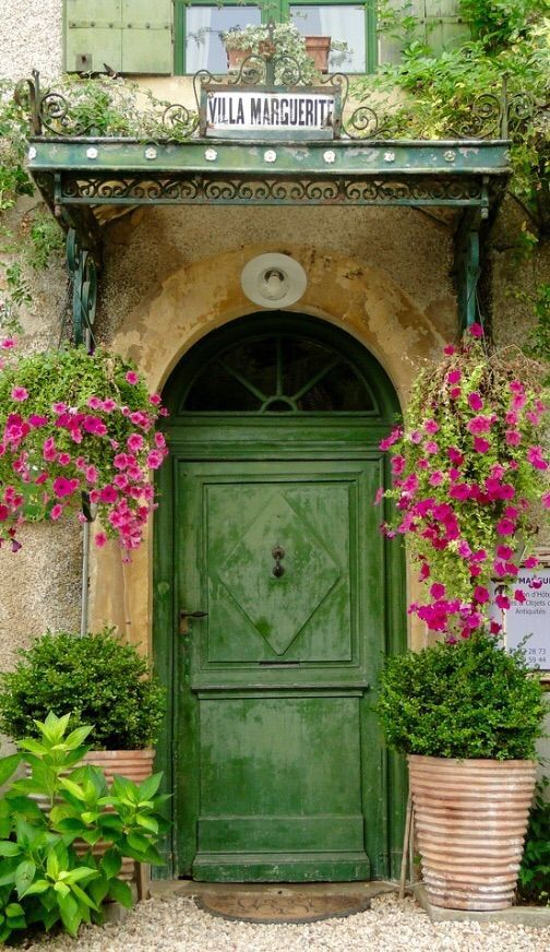Dordogne, France ZsaZsa Bellagio – Like No Other: PINK!