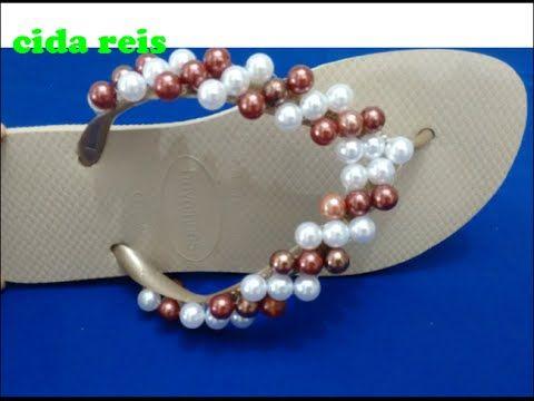 Chinelo decorado com pérolas(fica o tipo umas listas no bordado) - YouTube