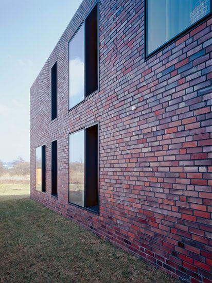 House W by Bayer & Strobel
