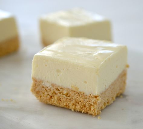 This No Bake Lemon Cheesecake Slice combines two of my favourite things AND it can also be made using a Thermomix - what more could you want!
