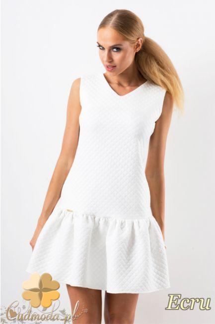 Kobieca sukienka pikowana z falbanką na dole marki Makadamia.  #cudmoda #moda #styl #ubrania #odzież #clothes #dresses