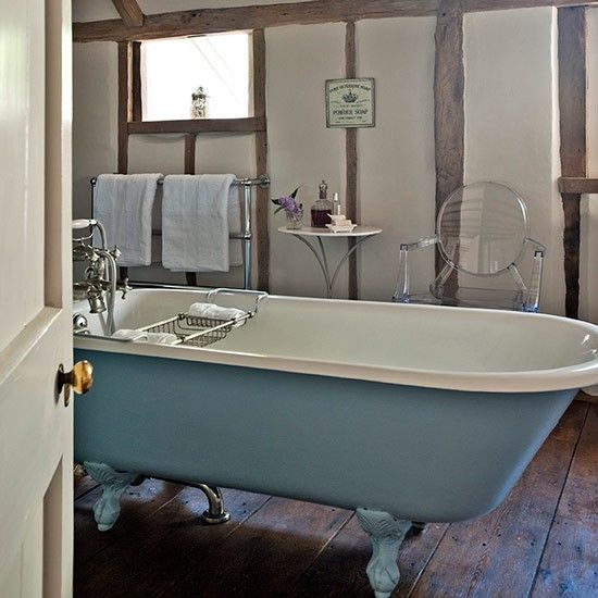 Classic country bathroom | Country bathroom design ideas | Bathroom | PHOTO GALLERY | Country Homes and Interiors | Housetohome.co.uk