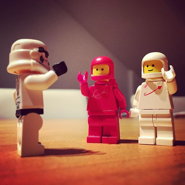 Well say hello to a blast from the past! Let's welcome these two heroes from the 80's.  #lego #stormtrooper #spacedudes #oldiesgoldies