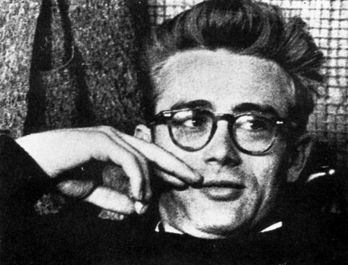 If you like the glasses of the Style Icon JAMES DEAN, you should discover the Handcrafted Eyewear by OLIVIERO TOSCANI at www.finaest.com | #jamesdean #finaest #style #icon #eyewear #glasses #olivierotoscani #eyeglasses #lunettes #gafas