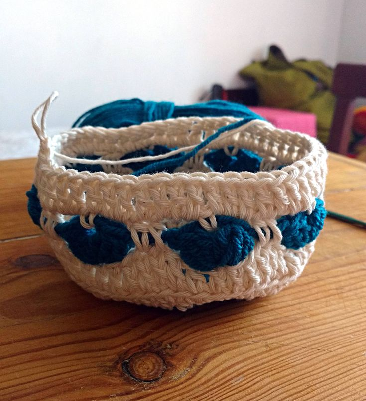 Crochet PATTERN pillow case bolster cushion cover round heart motif mandala circles crochet basics EASY immediate download pdf file English de Hookloopsarah en Etsy Studio