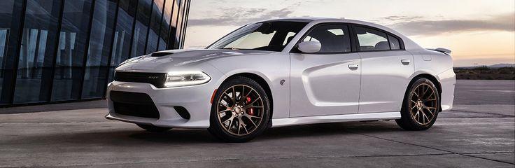 Les Dodge Charger et Challenger SRT Hellcat développent pas moins de 707 chevaux du haut de leur moteur V8 suralimenté de 6,2 litres. Venez en faire l'essai !