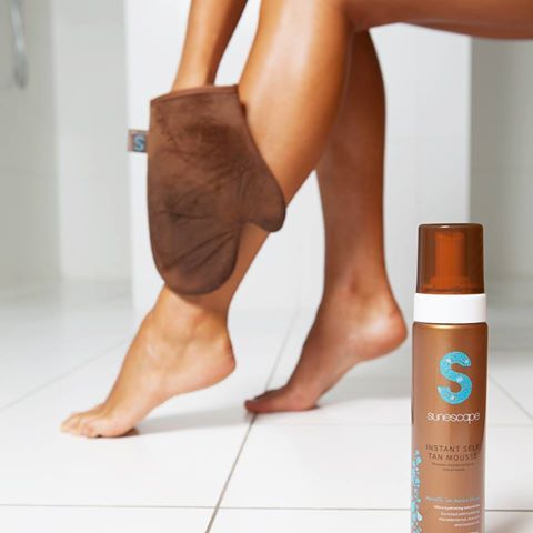 Smoother application, with even more control! What's not to love? Introducing our premium, double sided self-tan application mitt with thumb pocket; perfect for total tanning control when applying your favourite #sunescapetan  Buy online now for just $14.95: http://hubs.ly/H07f5PV0