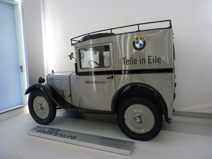 El museo de la BMW en Munich sorprende con cosas muy chulas...