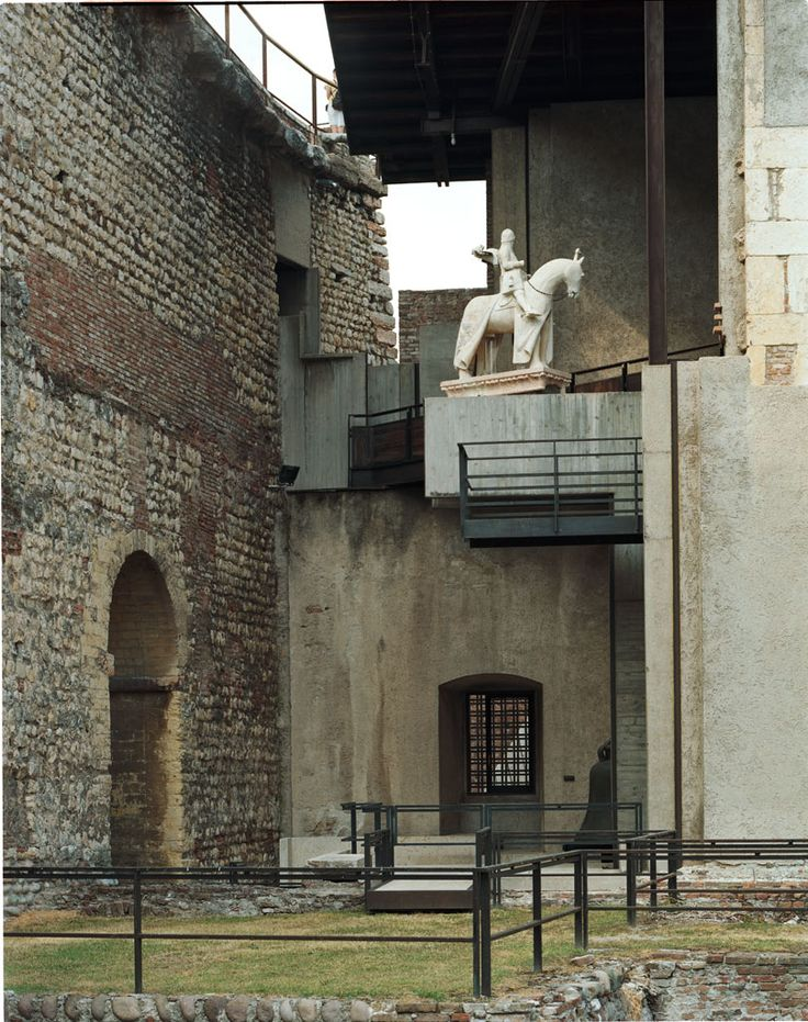 Castelvecchio. Carlo Scarpa created a monumental excibition iside a monument.
