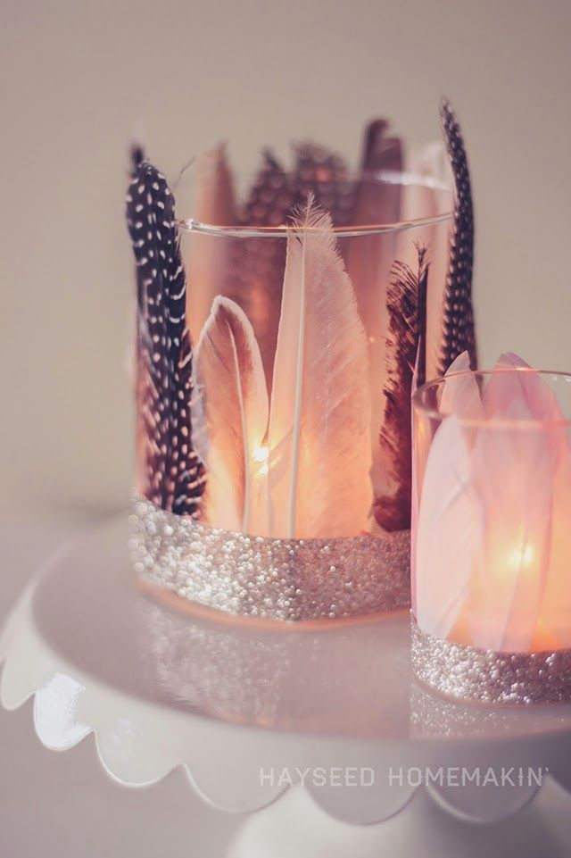 I love feathers! Check out some of the cool things you can do using them in your home decor. They kinda scream fall, so it's a perfect time to try some of these fun projects. >> Adorable gold dipped feather mobile from You are my Fave >> Feather votives from Hayseed Homemakin' >> Feather Garland from …